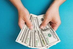 Байден планирует вдвое увеличить минимальную оплату труда с $7,25 до $15