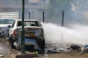 Ближний Восток. Прямое попадание ракеты в дом и рядом с синагогой