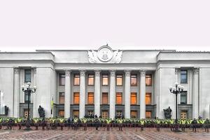 Нацгвардейцы полностью перекрыли центр Киева