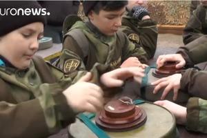 Euronews показал сюжет о школьниках-минерах в Крыму без упоминания об аннексии полуострова
