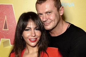 Российская порнозвезда бросила уже пятого супруга