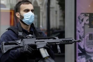 Нападение в Ницце: одну из жертв обезглавили, подозреваемый кричал «Аллаху Акбар»
