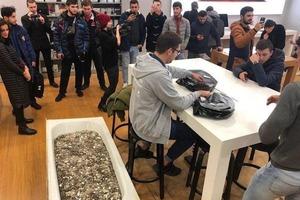 Москвич купил iPhone XS за ванну мелочи