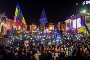 Защита Януковича в суде делает ставку на то, что люди на Майдане были вооружены