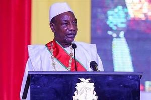 Ничего необычного - XXI век, в Гвинее свергли первого демократически избранного президента
