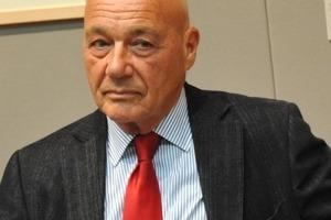 Телеведущий Владимир Познер хотел покончить с собой