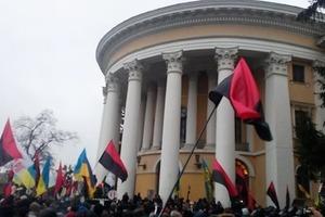 Саакашвили назвал провокацией столкновения у Октябрьского дворца