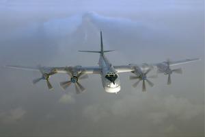 Над оккупированным Донбассом зафиксировали бомбардировщик