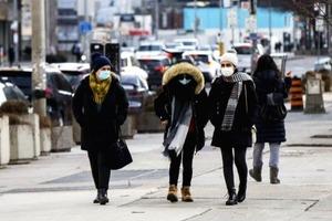 Половина українців побоюються захворіти ковідом