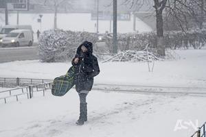 Київ і низку областей накрив сильний снігопад
