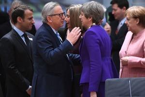 ЕС отозвал из России посла для консультаций