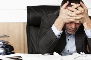 Распознайте сглаз. Как проявляется порча на работу и как ей противостоять
