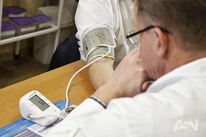 Большинство украинцев вынуждены выходить с больничного не долечившись