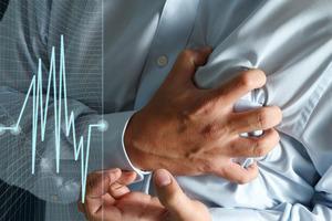Спустя полгода Гройсман снова анонсирует появление 13 новых сердечных центров