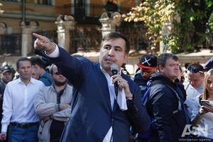 Саакашвили призвал Порошенко уйти с поста президента