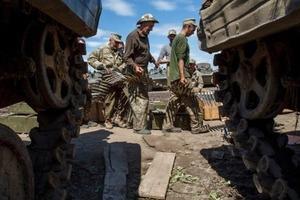 За прошедшие сутки на Донбассе погиб один военный, еще двое ранены