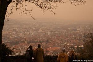 Пыльная буря из Сахары накрыла Европу