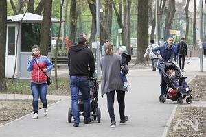 Рада увеличила минимальный размер алиментов и разрешила вывозить детей за границу без согласия