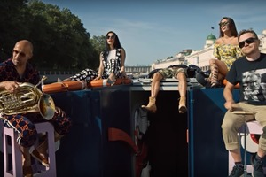 Выпить не с кем, б...ть: Ленинград выпустил скандальный клип Не хочу быть москвичом