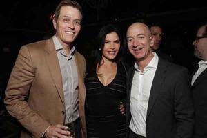 Фото голого основателя Amazon брат его любовницы продал за $200 тысяч