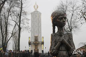 Запали свічку. Українці віддають данину пам'яті жертвам Голодомору