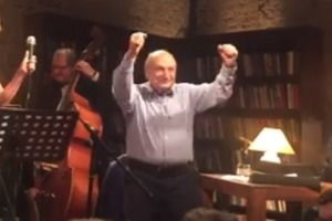 84-летний Жванецкий зажигательно потряс телом