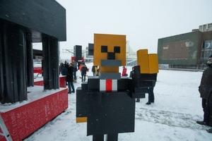 Коммунизм процветает: в РФ установили пиксельный памятник Ленину