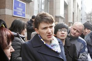 Савченко доставят в суд, чтобы отобрать образцы слюны