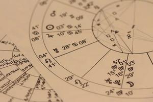 Павел Глоба рассказал, каким знакам Зодиака стоит ждать трудностей в 2022 году