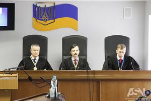 Суд по делу Януковича: Порошенко подтвердил, что ездил в Крым 27 февраля 2014 года