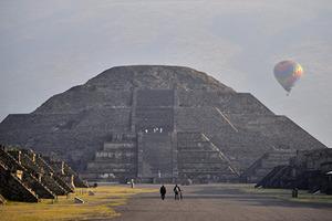 Под Пирамидой Луны в Мексике нашли вход в загробный мир