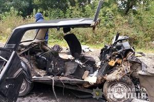 Смертельный ВАЗ: Под Тернополем три человека погибли в лобовом ДТП
