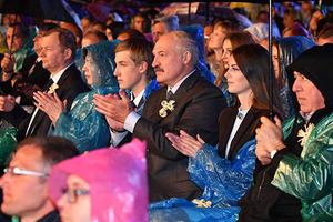 Слуха нет: как Лукашенко пел с Повалий украинскую народную песню