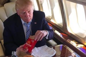 Любитель McDonald's: у Трампа был личный доставщик фаст-фуда