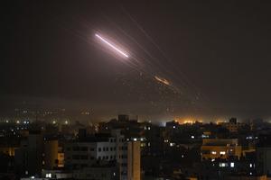 На Ближнем Востоке продолжается активное противостояние: ХАМАС выпустил больше сотни ракет за вечер