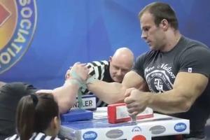 Самого сильного человека мира Василия Вирастюка поборол спортсмен из Кременца