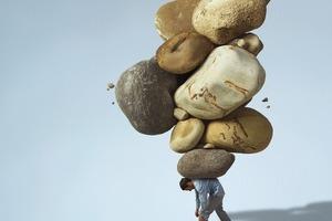 Почему нельзя решать чужие проблемы? 4 аргумента не в пользу добродетели