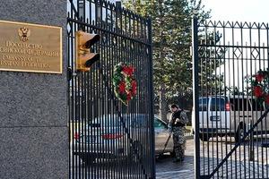 Из США могут выслать 300 российских дипломатов