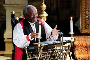 Аж свечи шатались: речь американского священника шокировала гостей свадьбы принца Гарри (видео)
