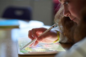 Apple презентовала бюджетный iPad для обучения детей
