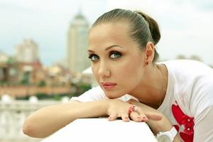 Мама попавшей в реанимацию певицы Евгении Власовой рассказала о состоянии здоровья дочки