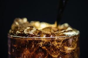 Похудеете, но заболеете раком. Ученые призывают отказаться от напитков с заменителем сахара