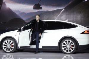 Привіт Маску: Верховна Рада відновила акциз на електромобілі