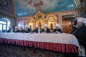 УПЦ МП проводить свій Синод. Порошенко не прийшов