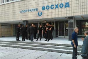 20 лет мытарства. Как киевские власти годами не могут отстоять для людей спорткомплекс «Восход»