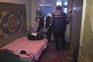 В Киеве нашли 15-летнюю девушку с ножом в груди