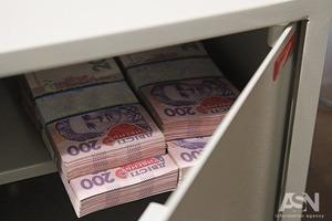 Деньги в банках держат только 3% украинцев, а что-то откладывает – лишь половина
