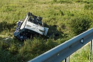 В Венгрии разбился микроавтобус с украинцами, пострадали 13 человек