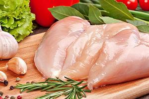 Не покупайте и не ешьте: Как распознать курицу, выращенную на гормонах