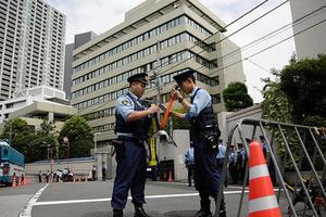 Японцев арестовали за оргию в отеле